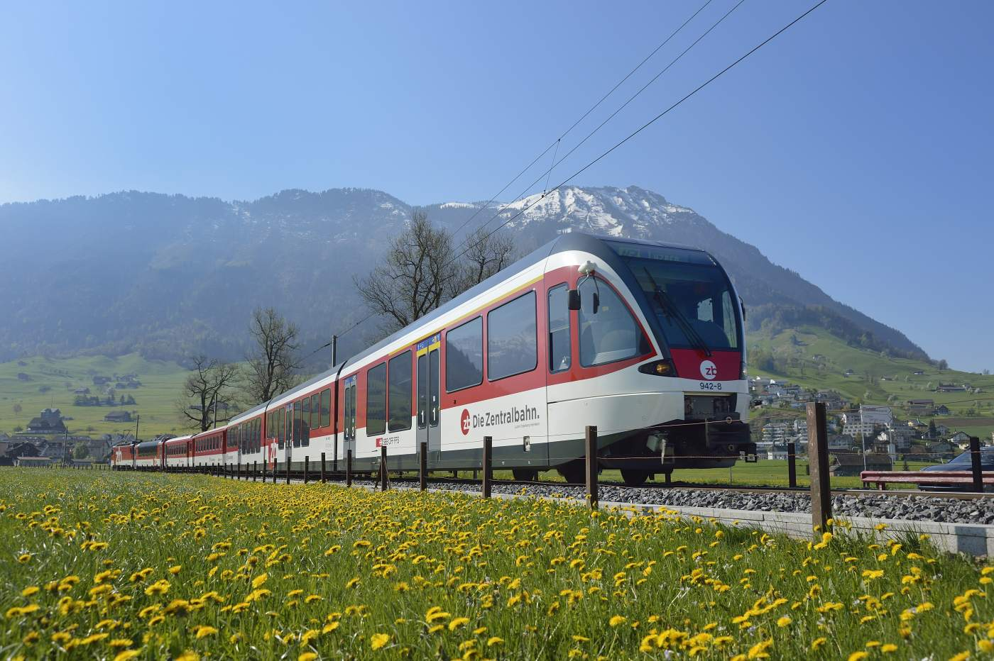 Luzern-Engelberg Express in Stans