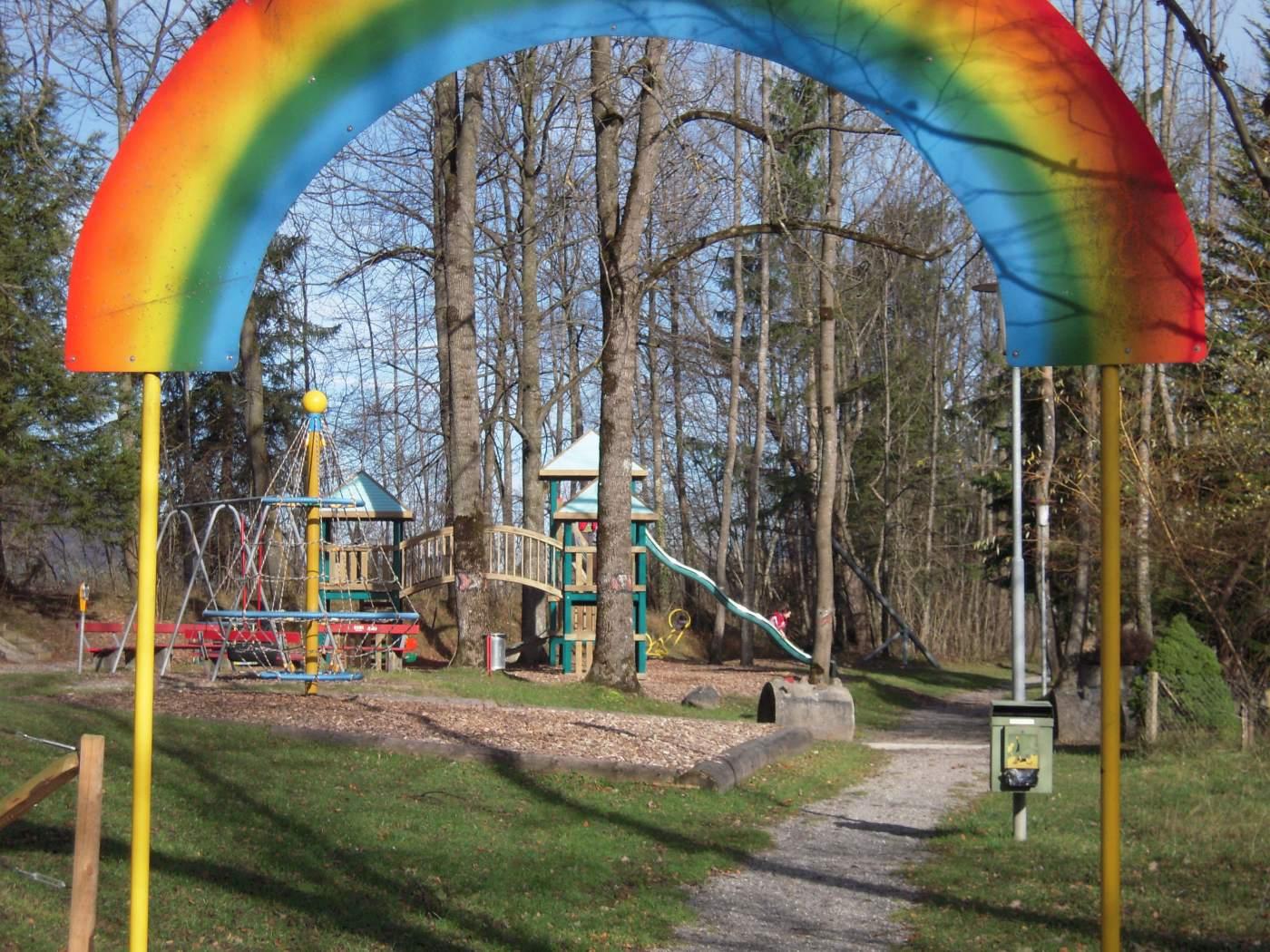 Spielplatz Rägäbogä Giswil