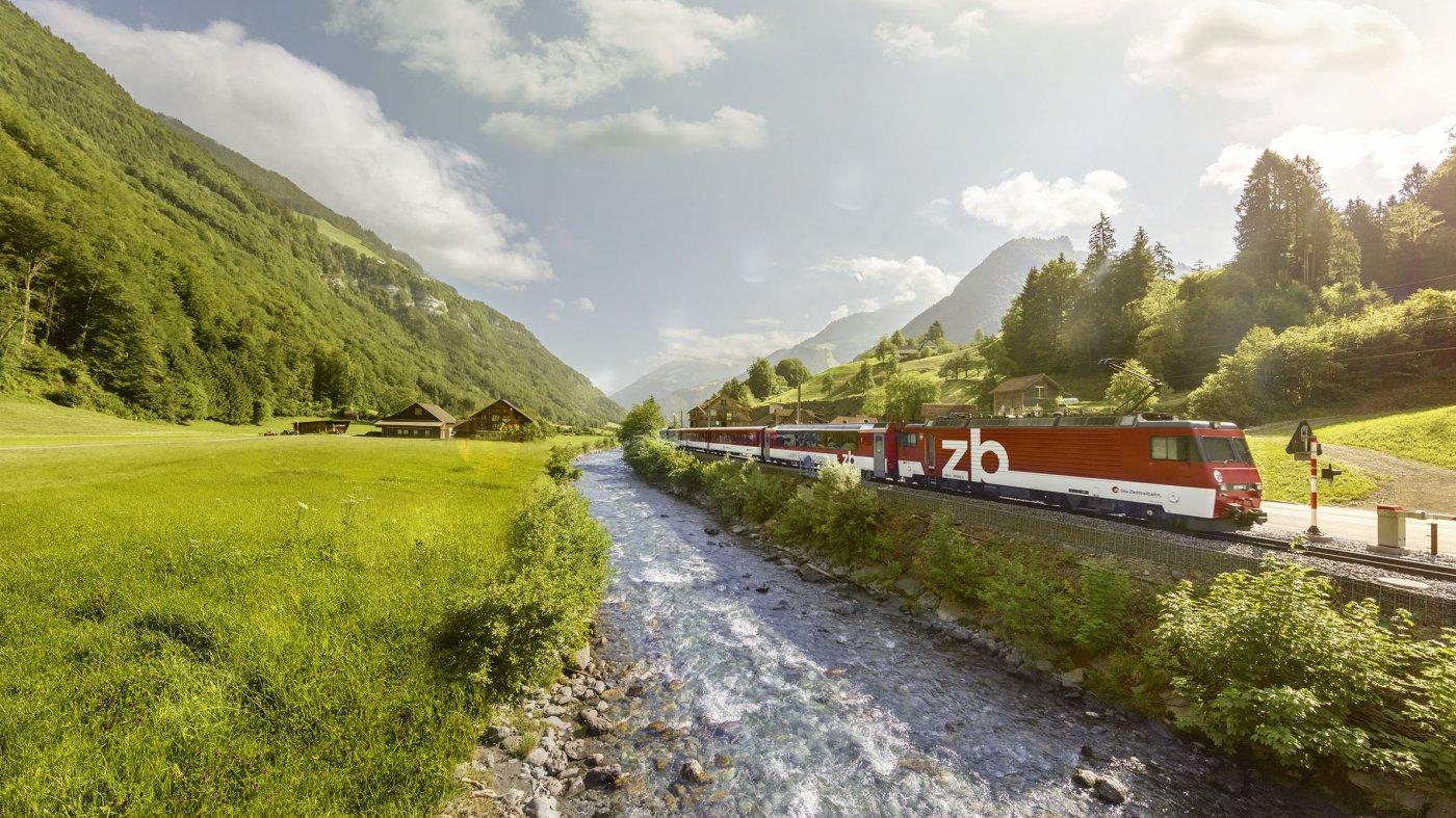 Luzern-Engelberg Express in Grafenort