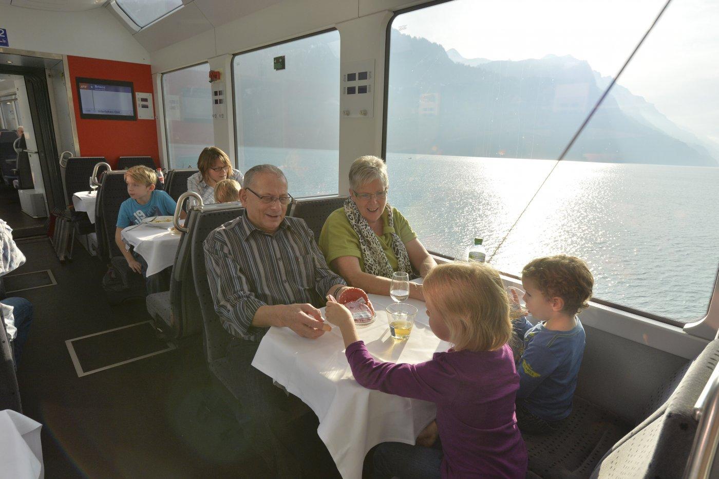 Bistro im Luzern-Interlaken Express